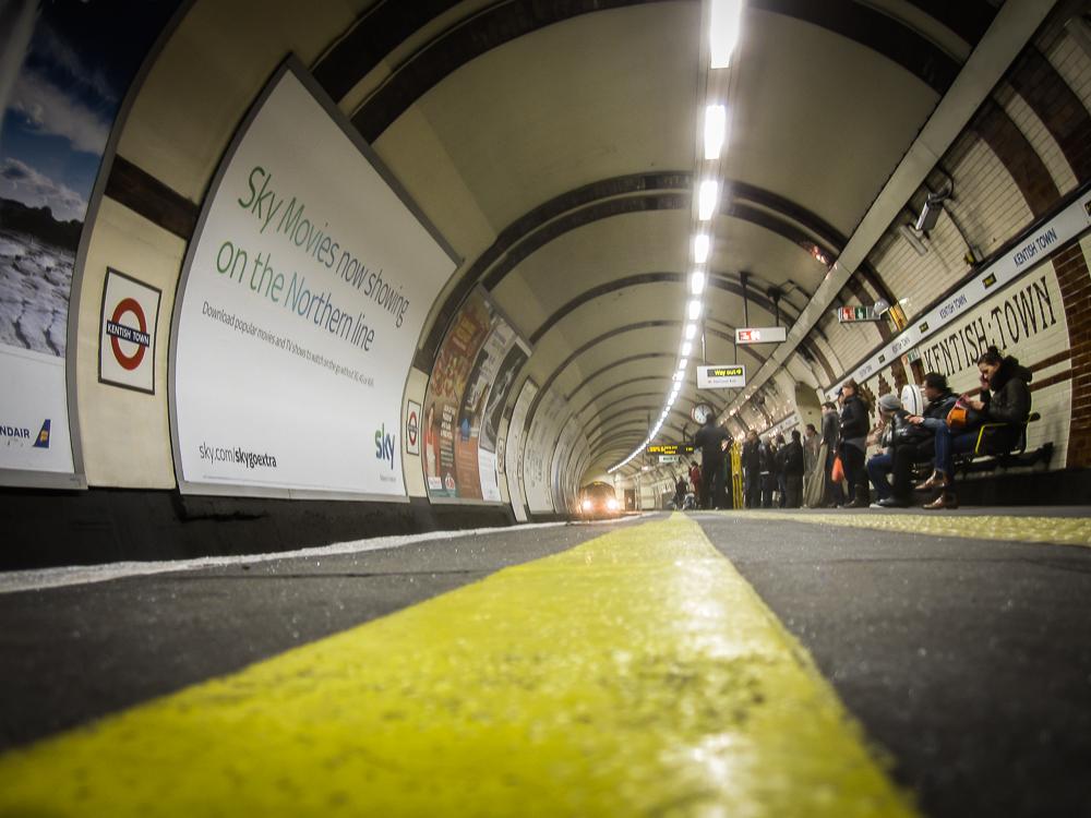 do Not Cross the Line - London Underground